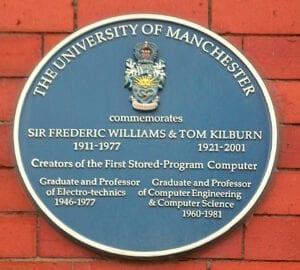 Placa en honor de Williams y Kilburn en la Universidad de Mánchester